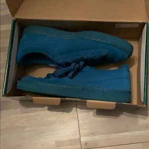 Shoes open to offer